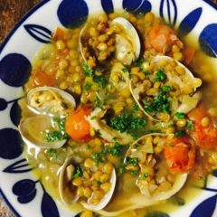 レンズ豆と魚介のスープ